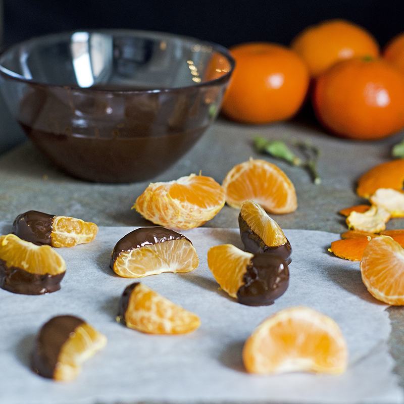Clementines with chocolate and seasalt